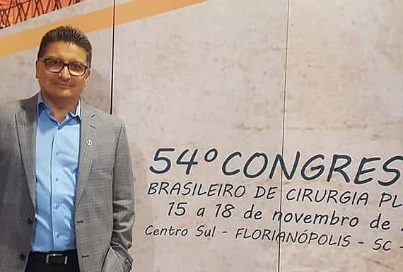 DR. CARLOS ELÍAS BUSTILLOS