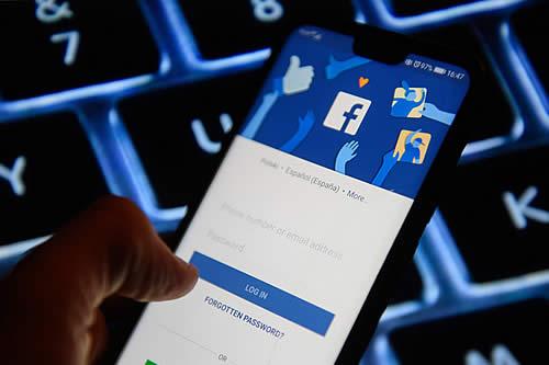 Descubren que populares aplicaciones para Android transmiten datos a Facebook