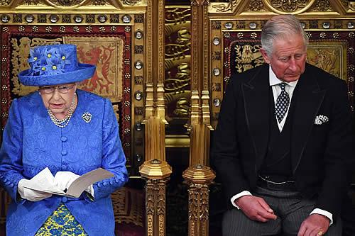 El gran plan de Carlos de Gales de reducir al mínimo la monarquía británica ya está en marcha