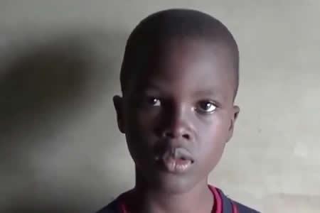 ¿Puede pronunciar el nombre de este niño?