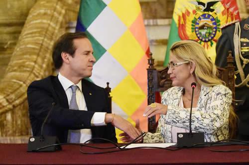 Designan a Quiroga delegado internacional para denunciar violación de DDHH promovida por Morales
