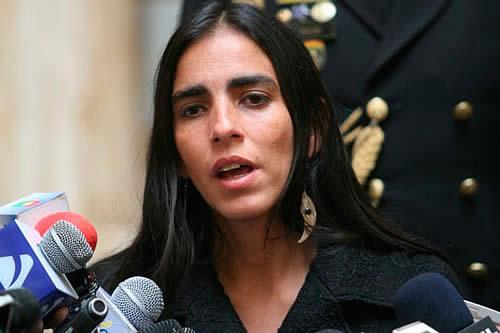 """Presidenta de Diputados califica de """"vandalismo"""" quema del Tribunal Electoral de Santa Cruz"""