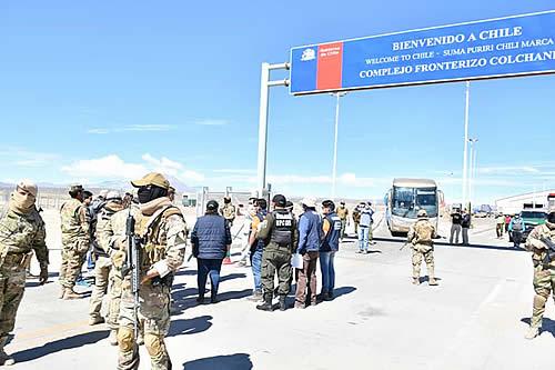Bolivianos repatriados cumplirán 14 días de cuarentena en Pisiga