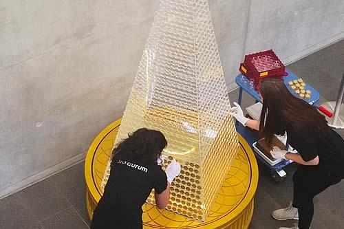 63 kilogramos de oro puro: Presentan el árbol de Navidad más caro de Europa