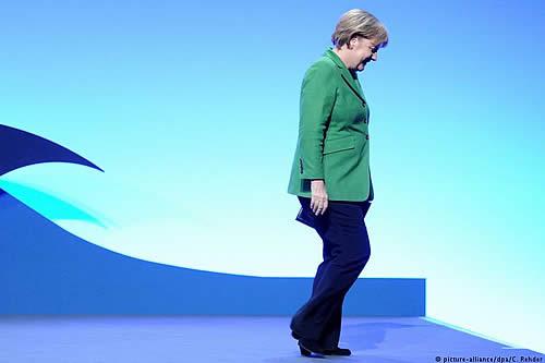 Merkel deja el poder en la CDU: un paso clave para los conservadores alemanes