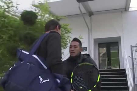 """""""¿Quién es usted?"""": Guardia no reconoce a Rafael Nadal y casi le impide entrenar en París"""