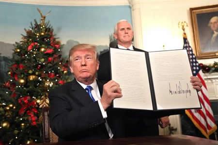 Trump asegura apoyar una solución de dos Estados para israelíes y palestinos