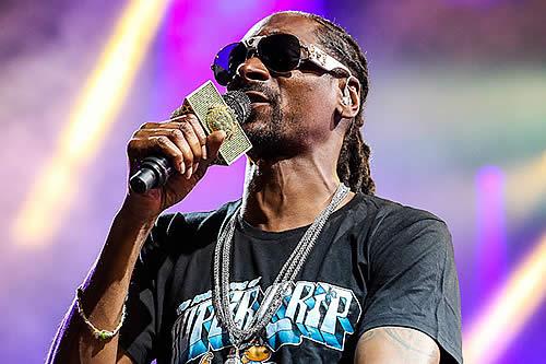"""""""Le importáis una m***da"""": Snoop Dogg carga contra Trump en un mensaje a empleados federales"""