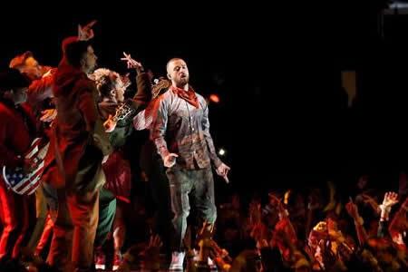 Diseñador de la camiseta de Timberlake en Super Bowl se enteró por casualidad