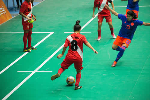Villa Tunari - La selección de Colombia venció el miércoles 1-0 al equipo  de Perú 81db95007d146