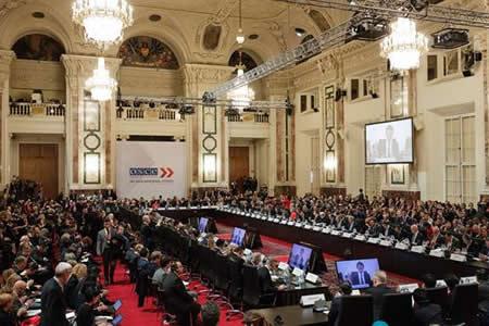 Rusia y EEUU escenifican en la OSCE su división debido a la crisis de Ucrania