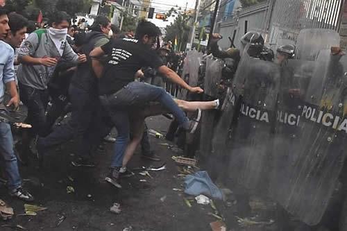 MAS dice que movilización de 'plataformas 21F' fue clasista, racista y violenta