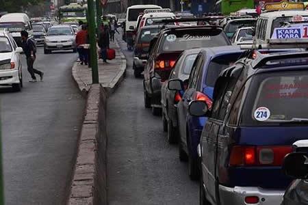 Vehículos particulares provocan la mayor cantidad de incidentes viales en rutas de Cochabamba