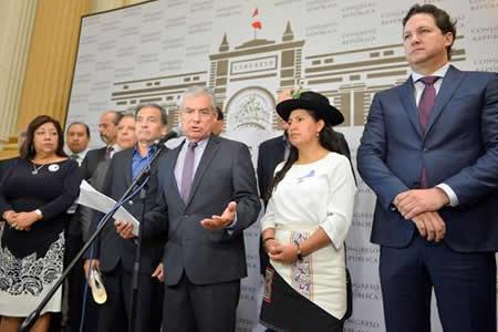El Congreso de Perú recibe el segundo pedido de destitución contra Kuczynski