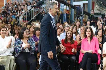 Macri anuncia proyecto de ley para lograr la equidad de género en Argentina