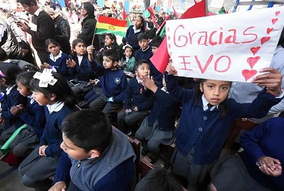 """Morales celebra el """"Dia de la Alfabetización"""" y recuerda que Bolivia fue declarada libre de analfabetismo en 2008"""