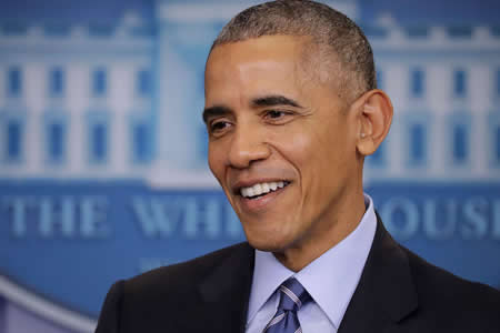 Obama se presenta para servir como jurado en juicio pero no es seleccionado