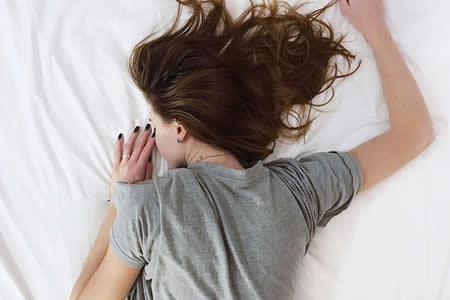 Estudio: El insomnio afecta los riñones y provoca muerte temprana