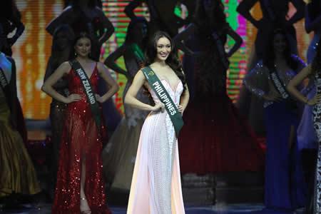"""""""Qué fea eres"""": Un estilista venezolano humilla a Miss Tierra durante su coronación"""