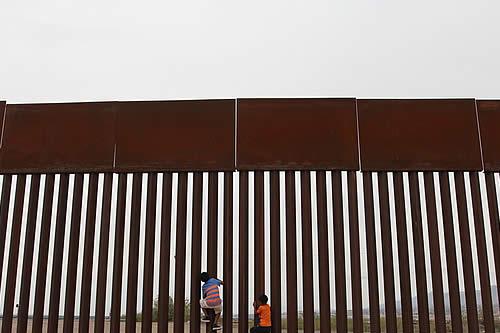 EE.UU. emite una nueva norma para denegar el asilo a quienes crucen la frontera ilegalmente