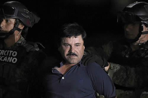 Deniegan solicitud de 'El Chapo' Guzmán para abrazar a su esposa antes del juicio