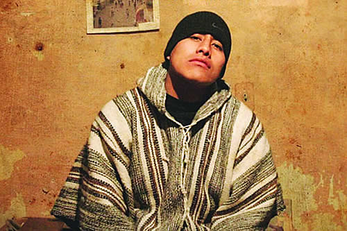 El filme de un combativo rapero aimara llega a salas comerciales en Bolivia