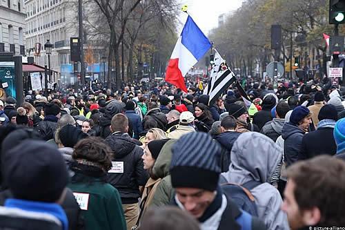Se alarga en Francia la huelga contra la reforma de las pensiones
