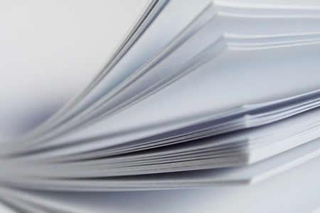Científicos crean papel reutilizable que permite imprimir imágenes en color