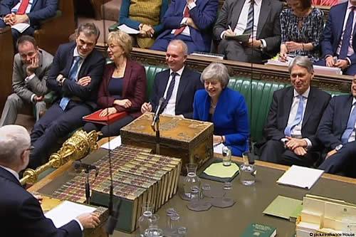 """Parlamento británico retoma debate sobre acuerdo del """"brexit"""""""