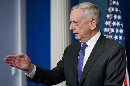"""Mattis anuncia que los """"soñadores"""" del Ejército de EEUU no serán deportados"""
