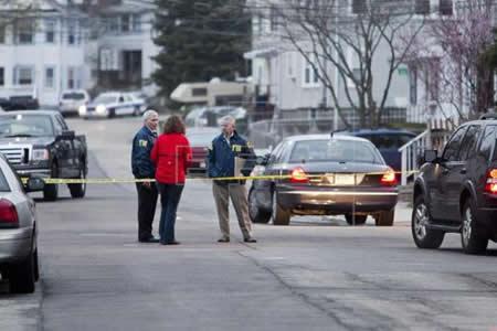Un agente de la policía muerto y otros dos heridos durante un tiroteo en EEUU