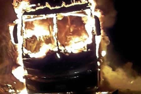 Bus boliviano se incendió en carretera del norte chileno