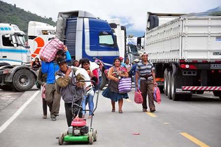 Transportistas pesados mantienen bloqueos en v as entre for Banco union uninet