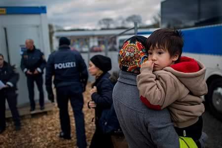 Fuerte caída en número de solicitantes de asilo en Alemania