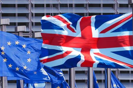 """Las ONG británicas perderán cientos de millones si no hay acuerdo de """"brexit"""""""