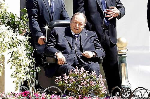 Argelia: Bouteflika, de 81 años, candidato a quinto mandato