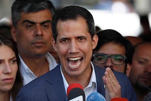 Guaidó reclama a los militares que dejen entrar la ayuda humanitaria en Venezuela
