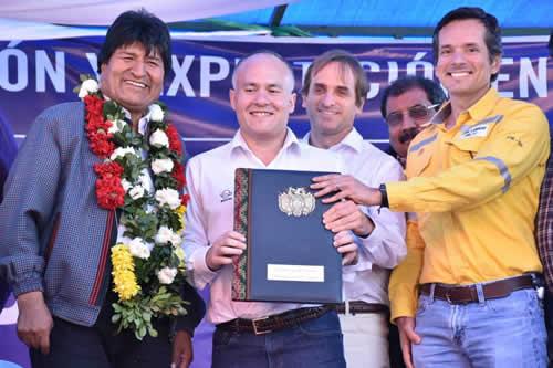 Morales promulga ley para explorar y explotar hidrocarburos en Iñiguazu por $us 899,8 millones