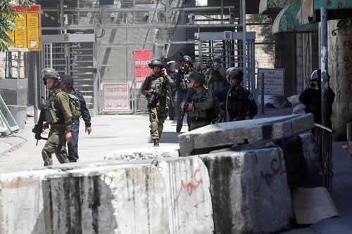 Dos palestinos muertos por disparos israelíes en las protestas de Gaza