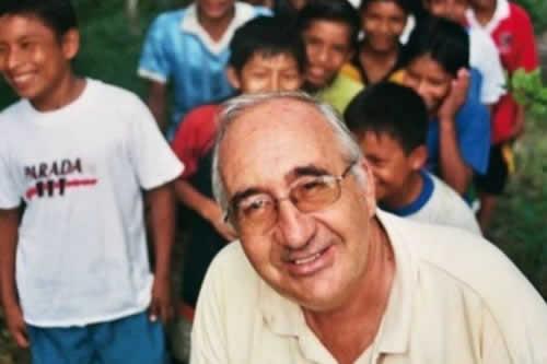 Asesinan a sacerdote jesuita español en un colegio de la Amazonía de Perú