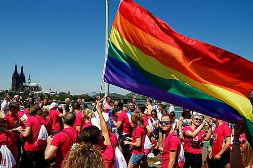 Mayoría católica quiere Iglesia más tolerante con los LGBTI