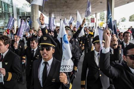 Los pilotos de Avianca deciden terminar su huelga después de 51 días