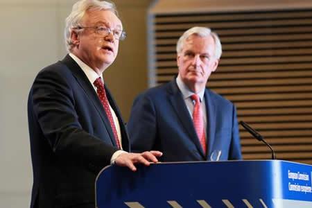 La UE da dos semanas a Londres para aclarar asuntos clave antes de otra ronda