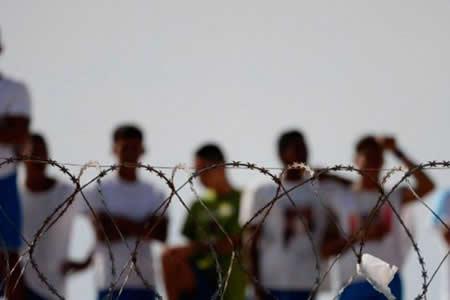 Al menos 26 presos huyen de una cárcel de Brasil tras explotar un muro