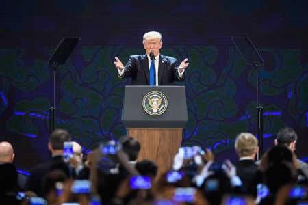 Trump ofrece relaciones bilaterales con cualquiera que quiera y cumpla reglas