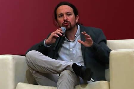 """Pablo Iglesias dice que España está ante """"mayor desafío"""" político en 40 años"""