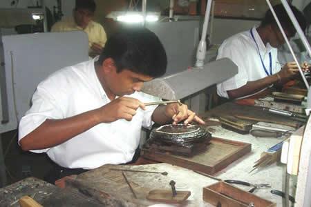 Bolivia exporta más joyas y menos textil en 2017