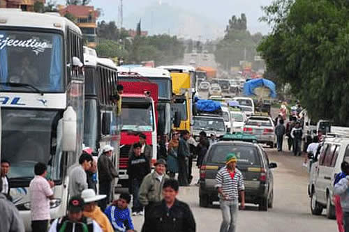 Transporte interprovincial de Santa Cruz anuncia bloqueos contra ley municipal