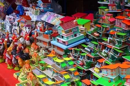 Encuesta: Ocho de cada 10 habitantes de La Paz visita la feria de Alasita