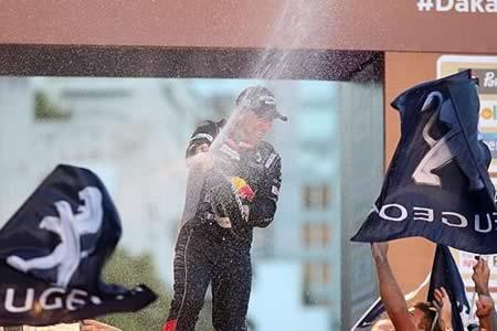 Peterhansel (Peugeot) gana su decimotercer Dakar, el séptimo en coches